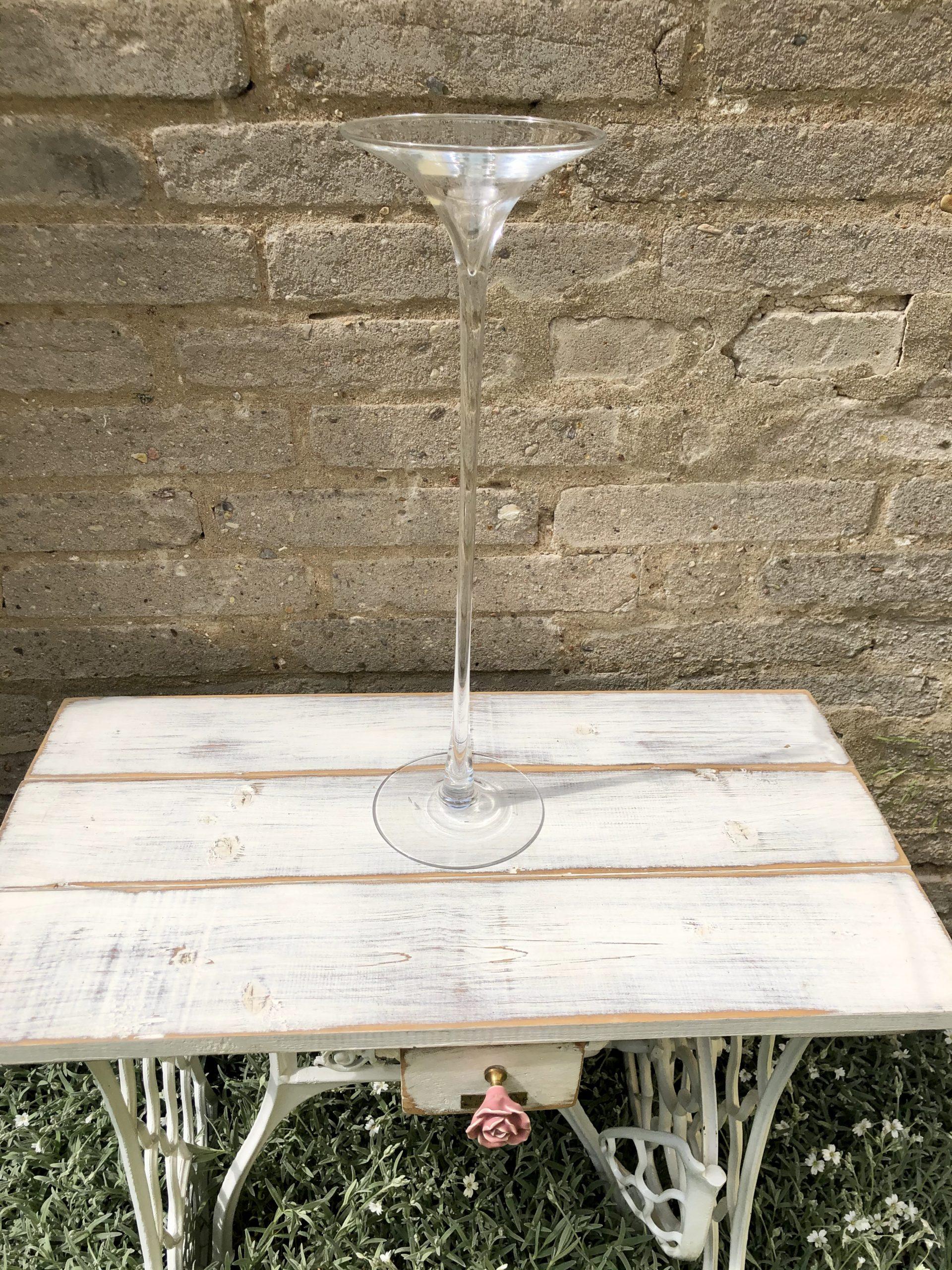 Skleněná váza na stůl na svatbu
